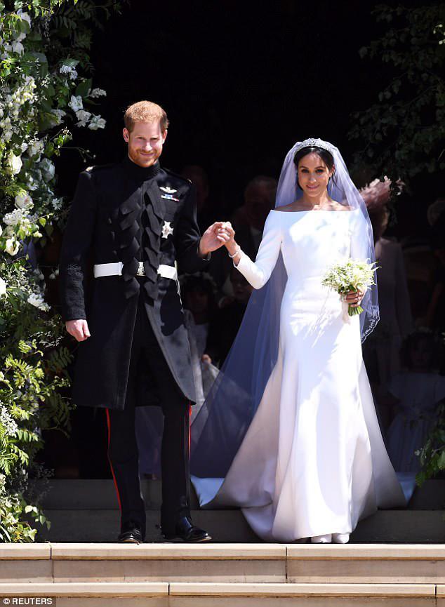 Váy cưới công nương meghan đã có phiên bản giá chỉ 700 nghìn - 1