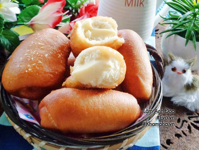 Ăn sáng với bánh mì chiên nhân kem custard chảy thơm lừng béo ngậy - 16