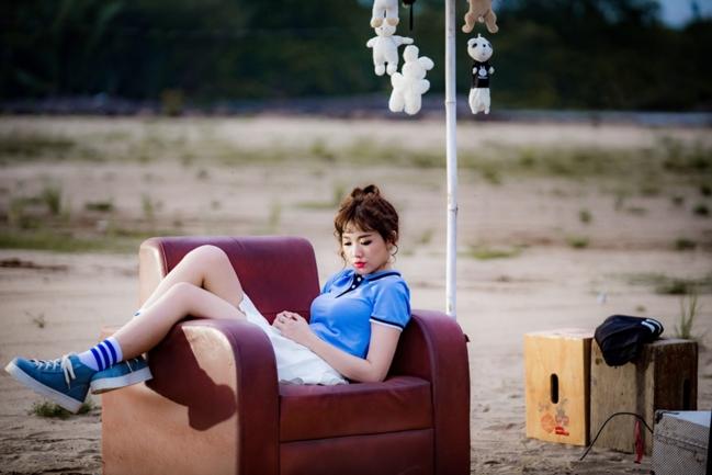 bóc giá thời trang bình dân của hari won trong mv mới nhất - 4