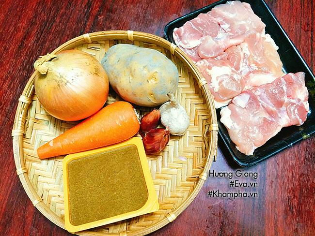 Bữa trưa thưởng thức cơm cà ri gà thơm ngậy hấp dẫn - 1