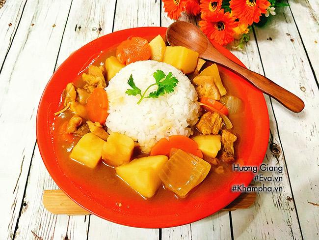 Bữa trưa thưởng thức cơm cà ri gà thơm ngậy hấp dẫn - 7