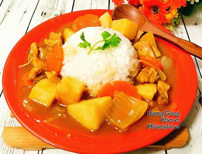 Bữa trưa thưởng thức cơm cà ri gà thơm ngậy hấp dẫn - 8