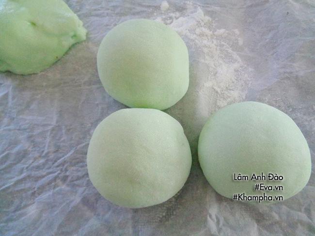 Cách làm bánh dẻo lá dứa chay nhân ngày mùng 1 tháng 7 âm lịch - 7