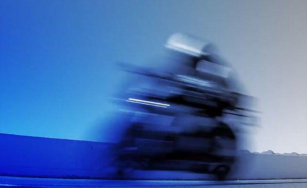 clip huyền thoại tốc độ yzf - r6 sẽ trở lại hoàn toàn khốc liệt trong năm 2017 - 4