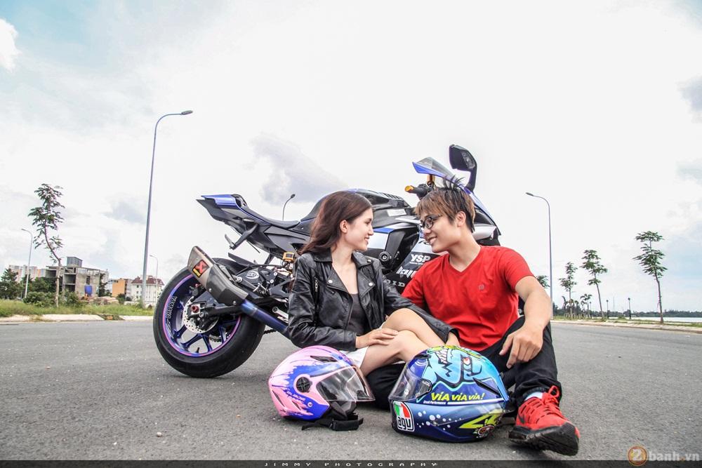 Couple trai tài gái sắc tạo dáng cùng cặp đôi r6 - r1 của nhà yamaha - 9