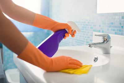 Dọn nhà vệ sinh sạch bong kin kít trong 15 phút - 2