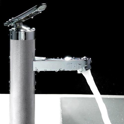 Giúp chị em khỏi phát điên với phòng tắm hôi thối - 4