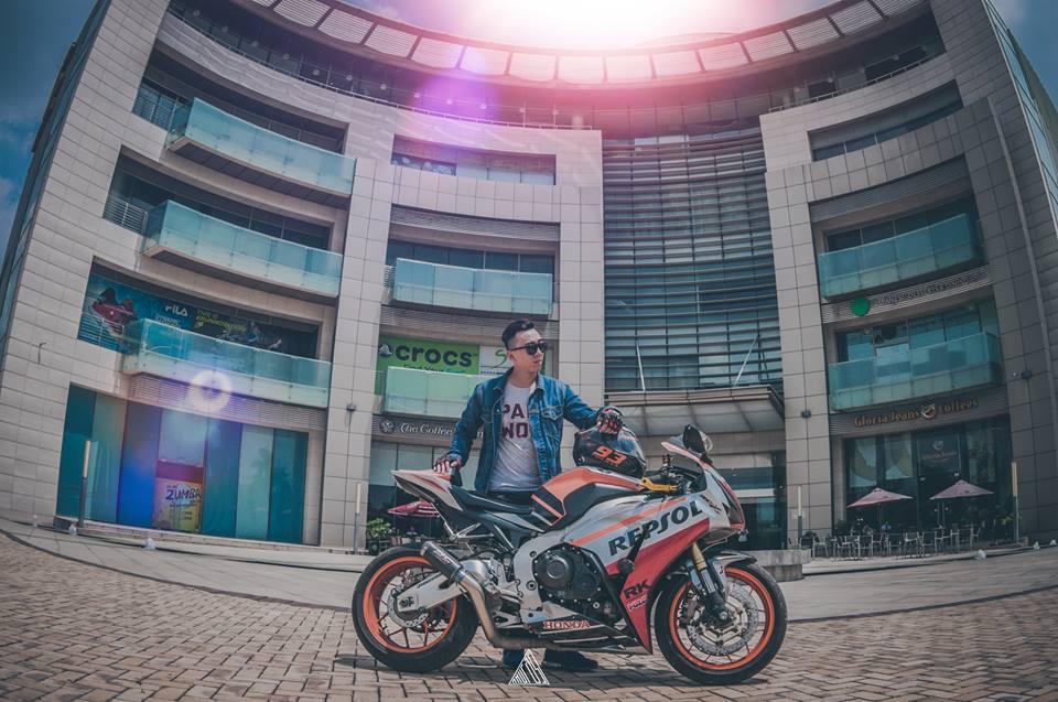 Honda cbr1000rr repsol mạnh mẽ giữa lòng sài gòn - 1