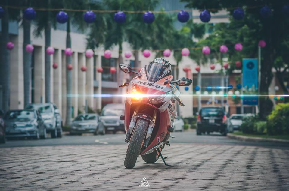 Honda cbr1000rr repsol mạnh mẽ giữa lòng sài gòn - 6