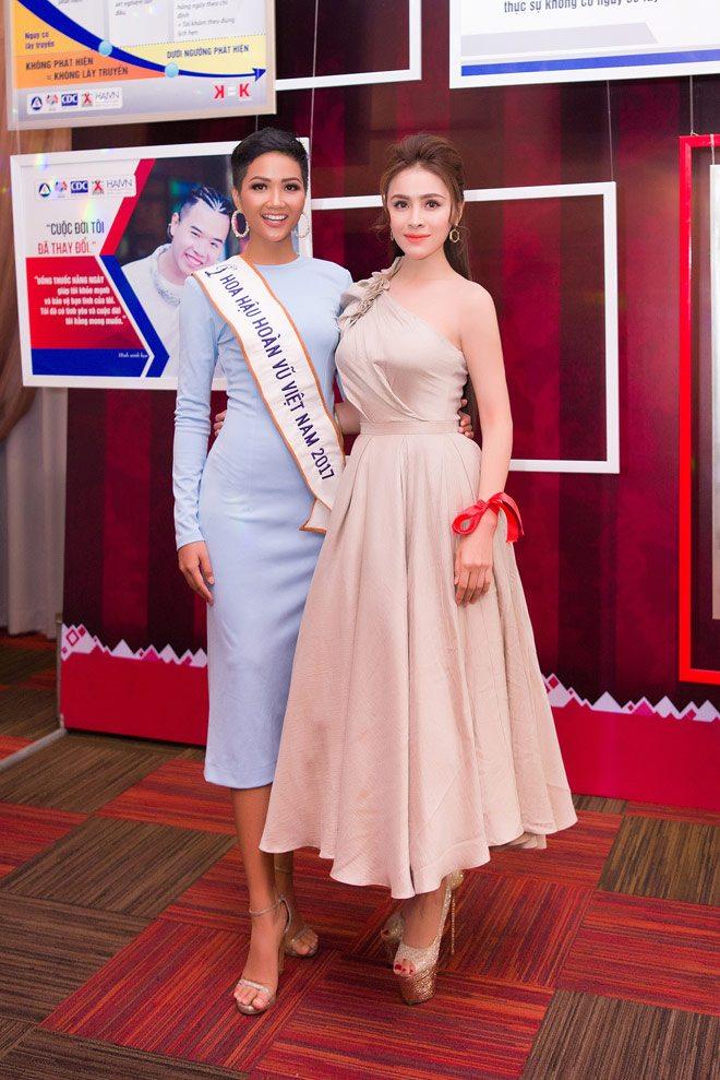 Hoa hậu thư dung cùng hhen niê chung tay vì cộng đồng - 1