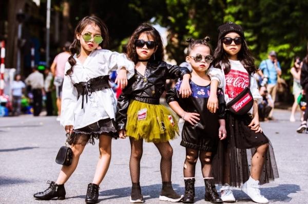 The best street style ngày đầu tiên dàn ngôi sao thời trang nhí chất như nước cất - 3