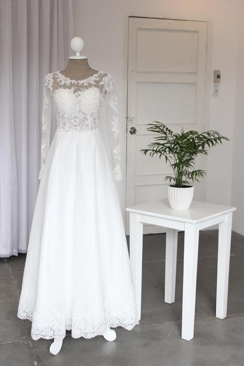 Cận cảnh váy cưới tâm tít sẽ mặc trong hôn lễ - 9