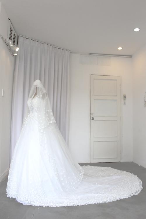 Cận cảnh váy cưới tâm tít sẽ mặc trong hôn lễ - 10