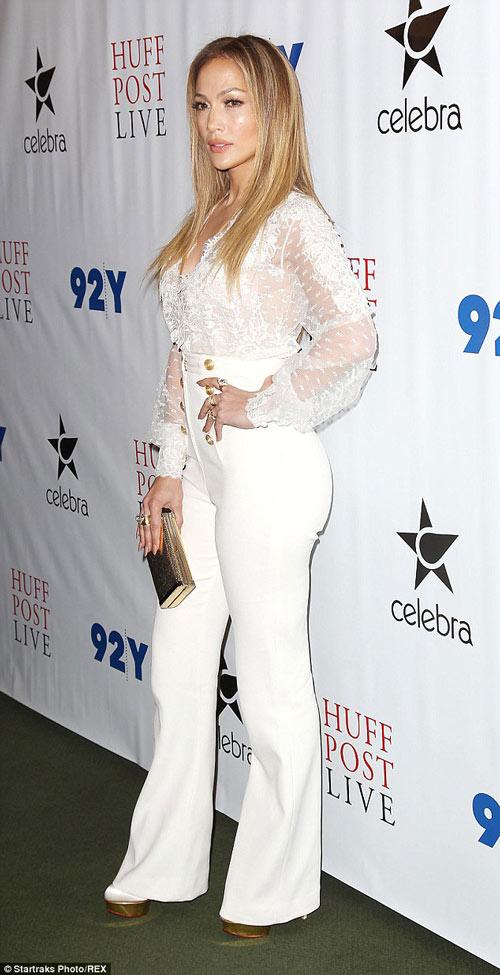 Mặc đồ trắng mùa đông gợi cảm như mỹ nhân hollywood - 2