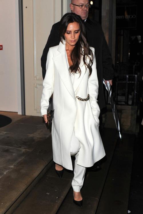 Mặc đồ trắng mùa đông gợi cảm như mỹ nhân hollywood - 5